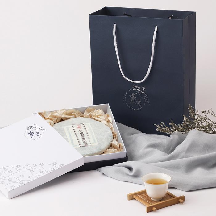 2018古树纯料茶系列  金奖营盘古树春茶饼  片装筒装